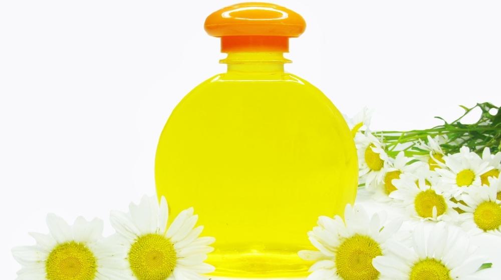 Şampon nutritiv din plante uscate şi ulei de cocos